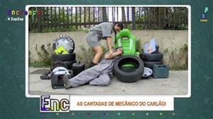 Carlão perde a paciência e bate em Biscui no 'Cantadas do Carlão'
