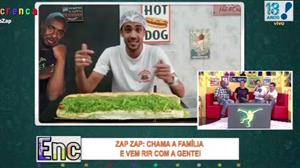 """Dono de lanchonete desafio Ângelo a comer hot dog """"monstruoso"""""""