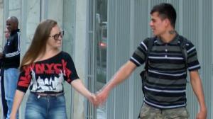 Tá na mão: Pegando na mão de estranhos