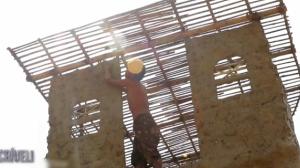 É Incrível: Construindo um prédio com as mãos