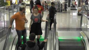 Vem comigo: os distraídos do Shopping de Carapicuíba