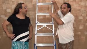 Piada pronta: passando por debaixo da escada