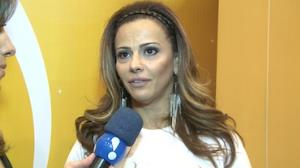 Viviane Ara�jo: 'Sempre gostei de fazer as unhas'