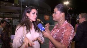 Carla Prata diz que � boa de samba e de 'briga'