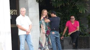 Eliana leva Narcisa Tamborindeguy para passear de lancha
