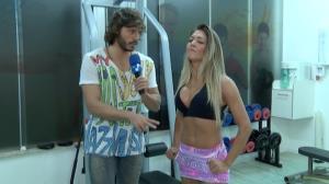 Conhe�a Muri Rodrigues, a musa da barriga chapada