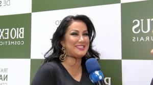 Helen Ganzarolli d� risada ao comentar acidente de carro de L�via Andrade