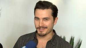 Ator Michael Malarkey, de 'Vampire Diaries', quer provar feijoada