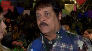 'Ele � um paiz�o', diz Carlinhos Aguiar sobre Silvio Santos