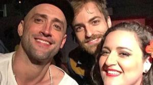 Paulo Gustavo posta foto com o namorado em festa com amigos