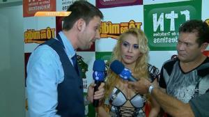 Joelma detona trai��o em show: 'perdoa? n�o foi voc� que tomou chifre'