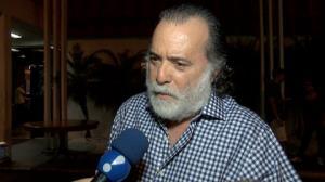 Tony Ramos conta se colocou aplique para ficar mais barbudo