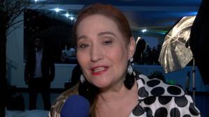 Sonia Abr�o diz que bloqueia internautas que xingam: 's� pe�o educa��o'