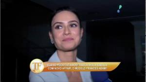 Thaila Ayala chega a evento com 'amigo' franc�s
