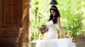 Daniela Albuquerque faz ensaio vestida de noiva antes de novo casamento