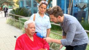 """Roque se emociona ao deixar hospital e diz: """"Logo volto para o trabalho"""""""