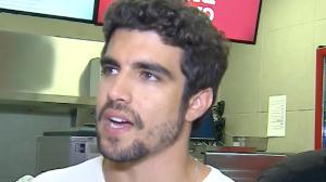 Caio Castro desconversa sobre viagem com Grazi Massafera