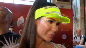 "Gracyanne Barbosa diz que ""arrasta a família toda"" para o Carnaval"