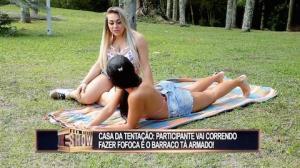"""Intrigas e fofocas marcam dia da """"Casa da Tentação"""""""