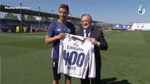 Cristiano Ronaldo ganha camisa para celebrar 400 gols pelo Real Madrid