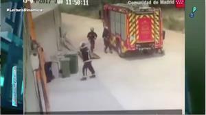 Bombeiros são surpreendidos por grande explosão na Espanha