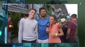 Tenista francês assedia repórter ao vivo durante entrevista