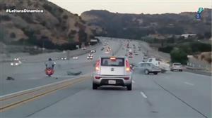 Briga entre motorista de carro e motoqueiro acaba em acidente nos EUA