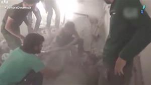 Vídeo mostra resgate de crianças sírias soterradas após bombardeio