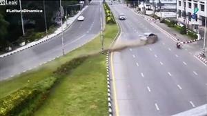 Câmeras flagram acidentes impressionantes na Polônia e na Tailândia
