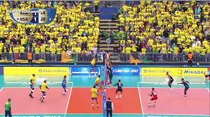 Brasil vence os EUA em Curitiba e vai à final da Liga Mundial de Vôlei
