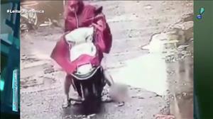 Câmera flagra atropelamento impressionante na China