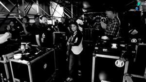 Korn lança documentário sobre turnê que fez acompanhada de baixista mirim