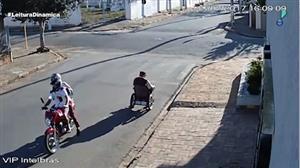 Cadeirante é assaltado por motoqueiros no interior de SP