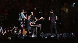 Coldplay homenageia vítimas de furacão no Texas com canção inédita