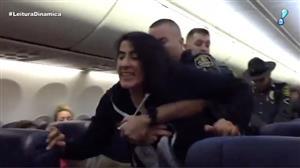 Mulher se recusa a viajar com cães e é retirada à força de voo nos EUA