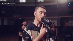Cantor britânico Sam Smith divulga clipe da canção 'Burning'