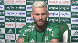 Lucas Lima é apresentado pelo Palmeiras e foge de polêmicas