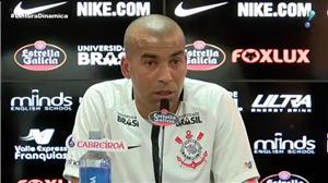 Emerson Sheik é apresentado pelo Corinthians e jura amor ao clube