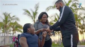 Drake faz boas ações em Miami com dinheiro reservado para clipe