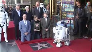Mark Hamill ganha estrela na Calçada da Fama de Hollywood