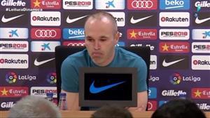 'Mágico da bola', Iniesta anuncia saída do Barcelona