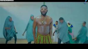 "Falz divulga nova música de protesto: ""This is Nigeria"""