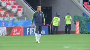 Brasil enfrenta gigantes sérvios de olho nas oitavas da Copa do Mundo