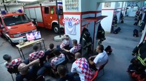 Vídeo de bombeiros assistindo a jogo da Croácia na Copa viraliza