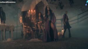 Cantoras brasileiras Iza e Aretuza divulgam o clipe da canção movimento