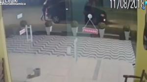 Motorista bêbado amputa as duas pernas de mulher ao atingi-la em Joinville
