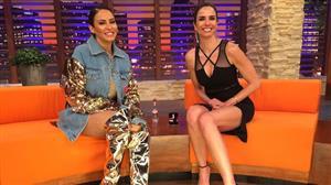 Luciana Gimenez recebe a cantora Alinne Rosa
