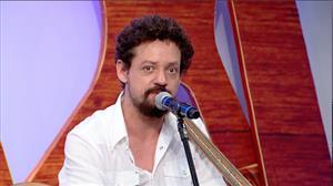 Chico Teixeira conta como surgiu a parceria com o pai Renato Teixeira