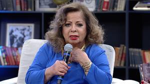 """""""Se eu não cantar Babalú sou vaiada"""", diz Ângela Maria sobre shows"""