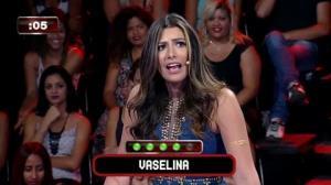 Funkeira Mary Silvestre acha que vaselina é combustível